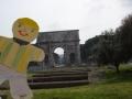 Arco_sulla_Piazza_Colosseo